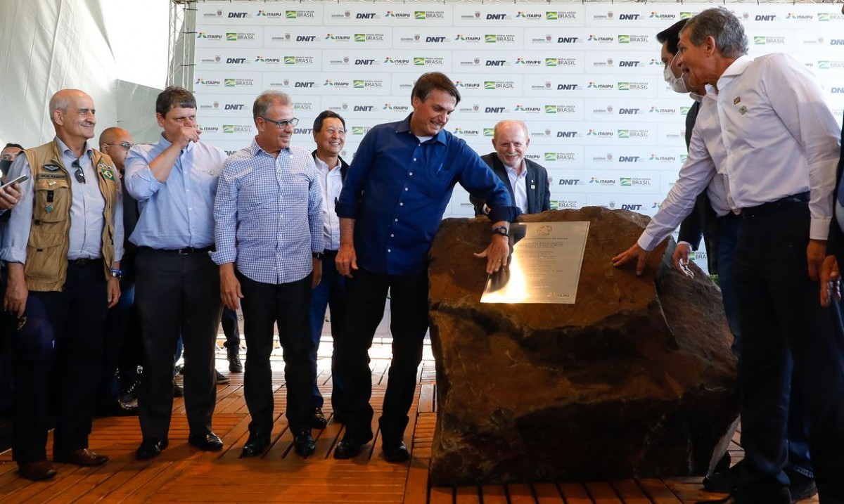 Bolsonaro lança pedra fundamental de duplicação da BR-469 (Foto: Carolina Antunes/ PR)