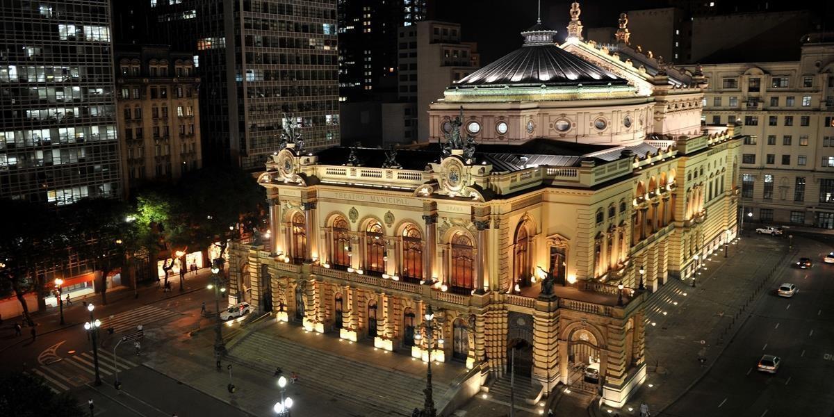 Além do teatro municipal de São Paulo, tem outras atrações no centro histórico (Foto: Carla Passos)