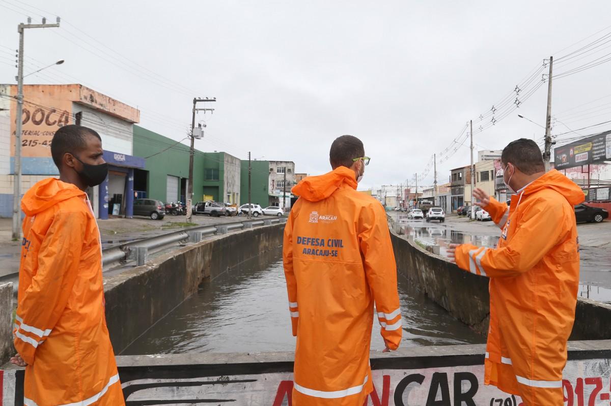 Chuvas já ultrapassaram média histórica do mês e Prefeitura segue monitorando a cidade (Foto: Marcelle Cristinne/ Prefeitura de Aracaju)