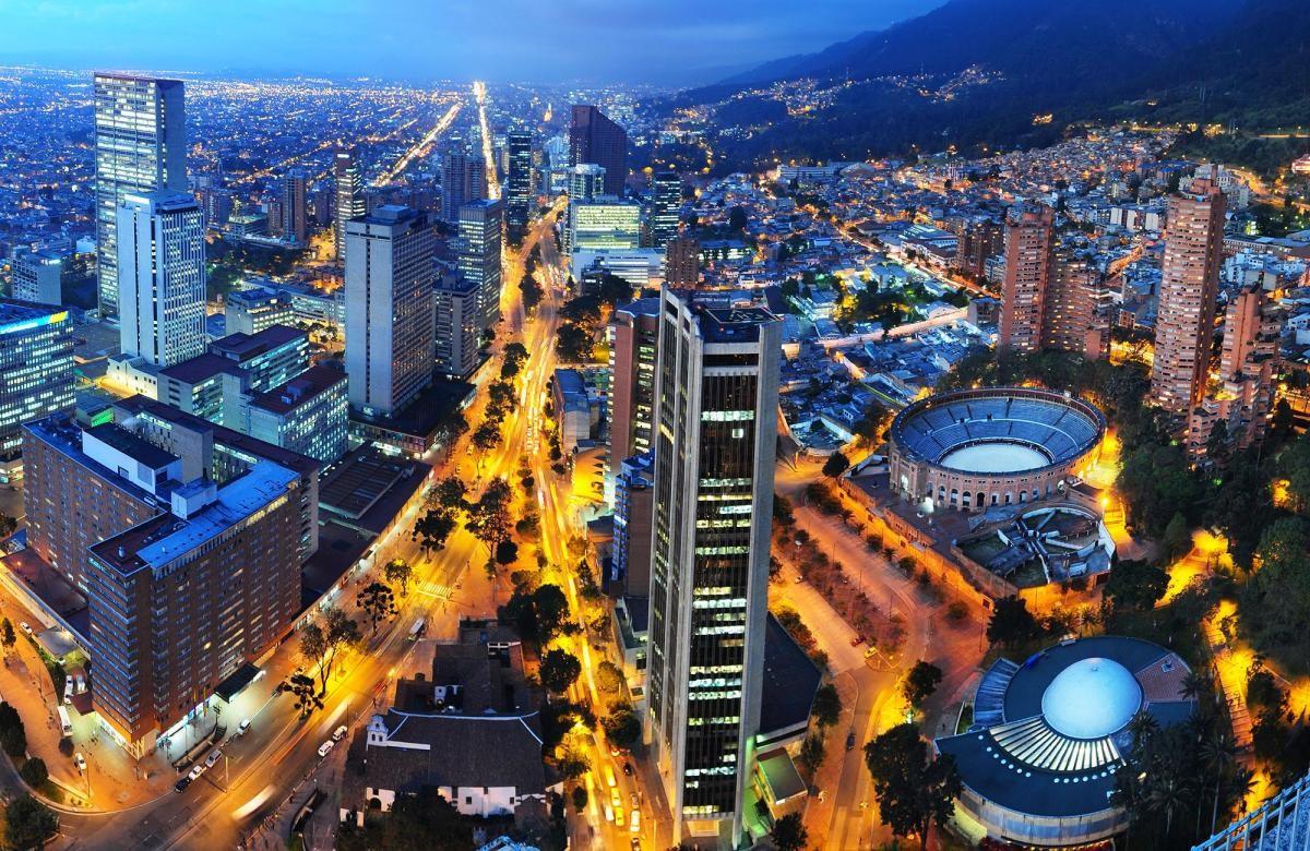 Bogotá é uma metrópole, com 7,5 milhões de habitantes (Foto: Carla Passos)