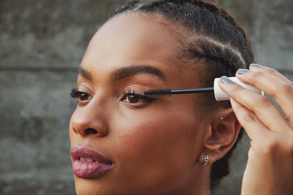 Make B. e Track&Field se unem para o lançamento de nova linha de maquiagem ultra resistente para a prática de atividades físicas (Foto: Assessoria O Boticário)
