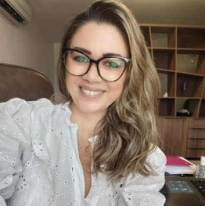 Professora Jacqueline Caldeiras, coordenadora da Clínica de Psicologia da Unit (Foto: Assessoria de Imprensa Unit)