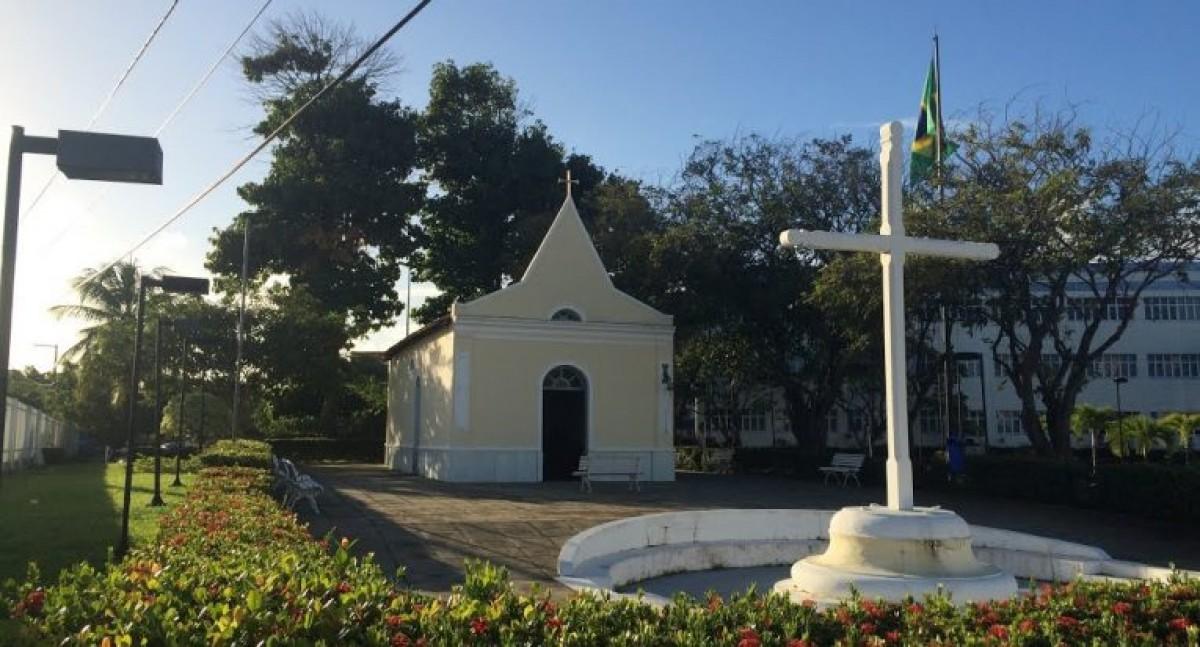 Capela da Unit: fé, devoção e um marco histórico para o bairro Farolândia (Foto: Assessoria de Imprensa Unit)