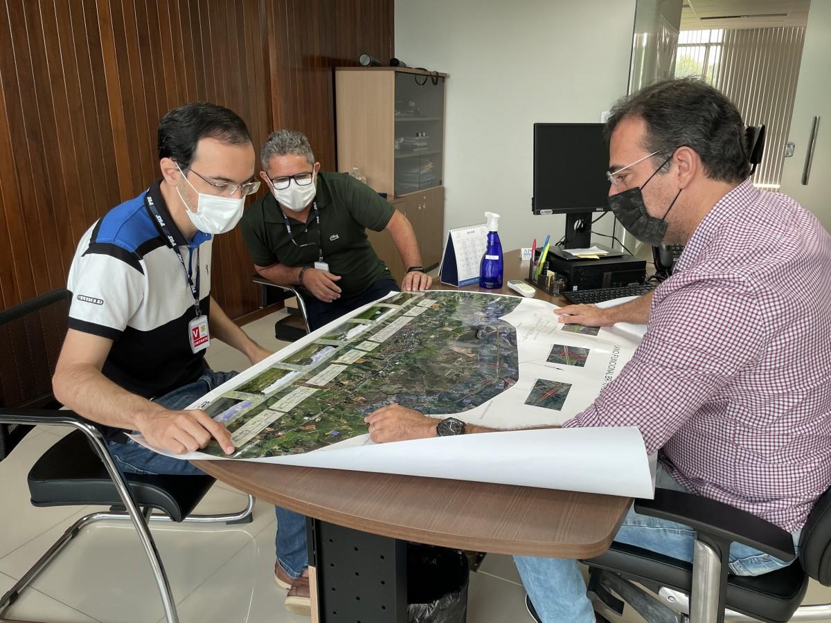Georgeo Passos reivindica limpeza e recuperação de estradas no DER e DNIT (Foto: Assessoria Georgeo Passos)