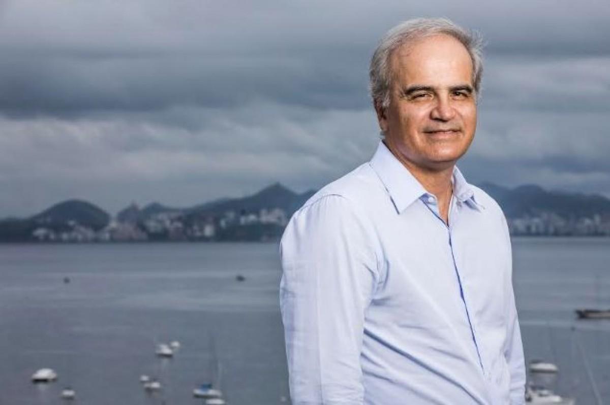 Ricardo Botelho, presidente do Grupo Energisa, recebe prêmio por atuação no setor elétrico (Foto: Comunicação Energisa)