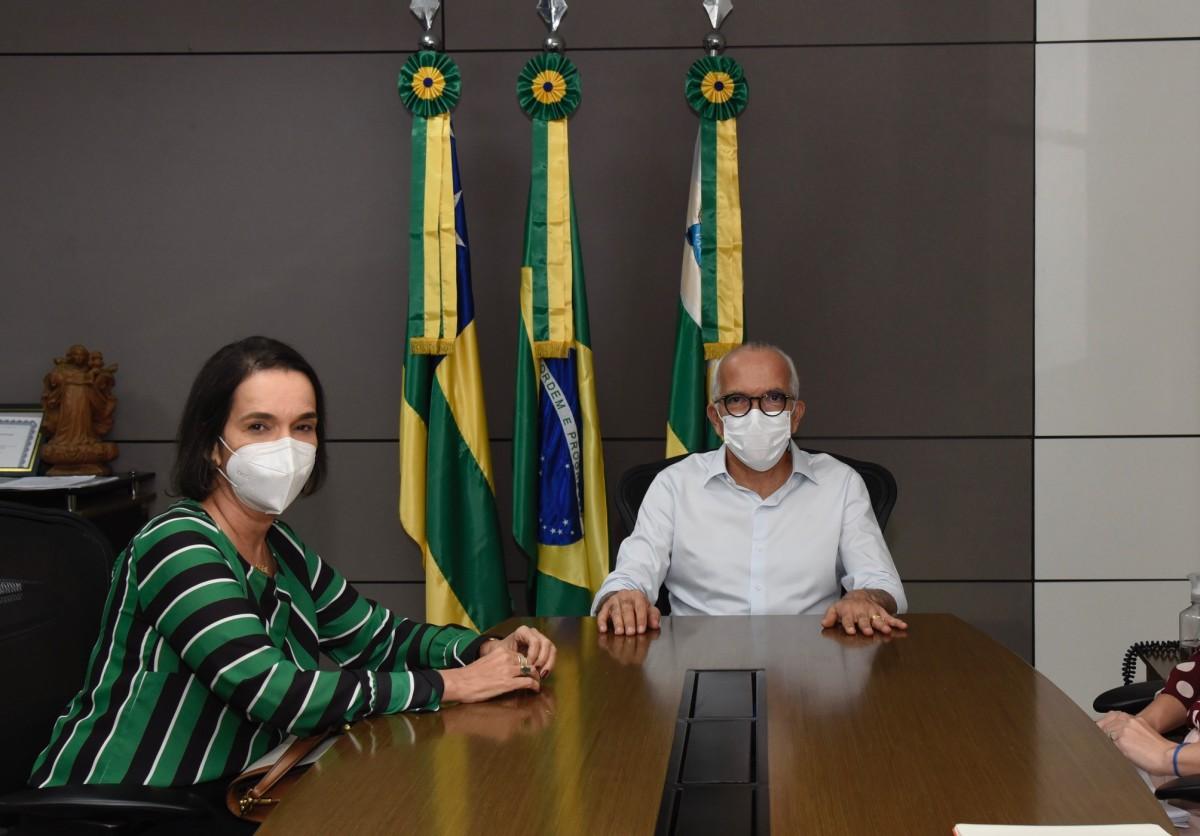Prefeitura e MPE/SE firmarão parceria para combater pobreza menstrual nas escolas municipais (Foto: Ana Lícia Menezes/ Prefeitura de Aracaju)