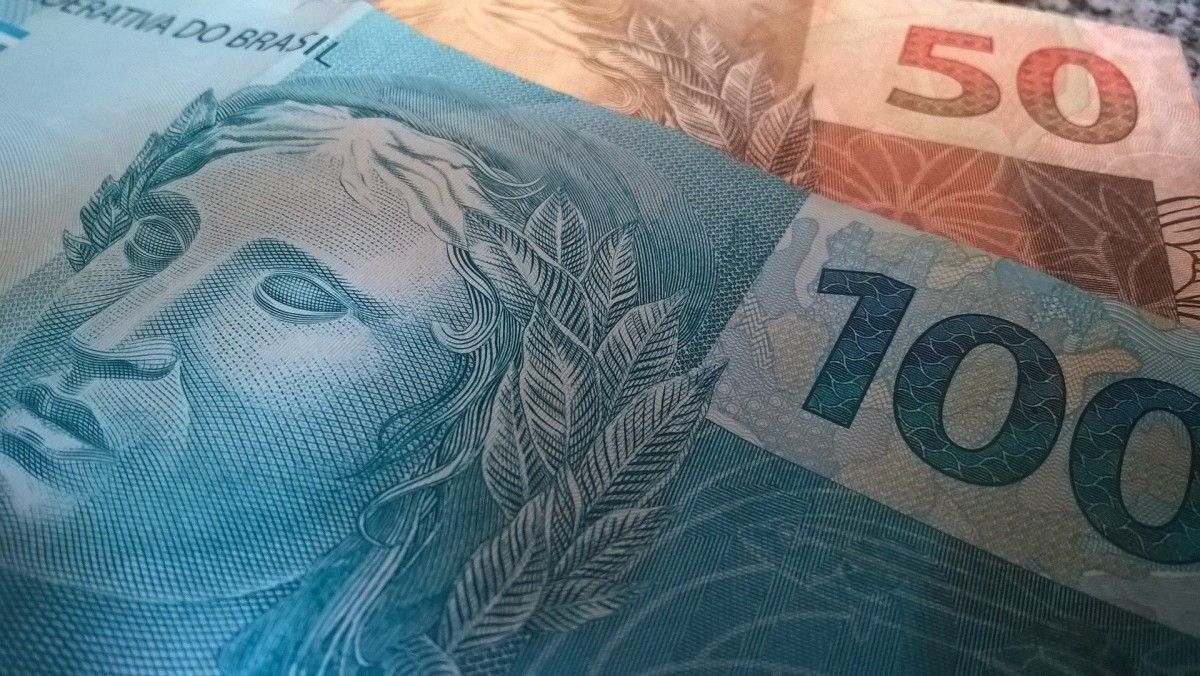 Perícia orienta como identificar se cédulas de dinheiro são falsas ou verdadeiras (Foto: SSP/SE)