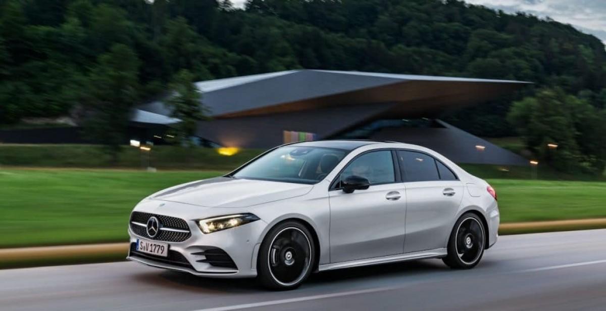 Mercedes A200 está 40% mais barata em leilão de carros on-line (Imagem: Mercedes/ Divulgação)