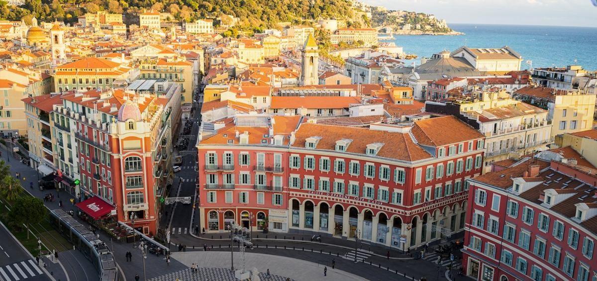 Linda cidade de Nice, que é bem mais que um balneário e pode ser visitada em qualquer época do ano (Foto: Carla Passos)