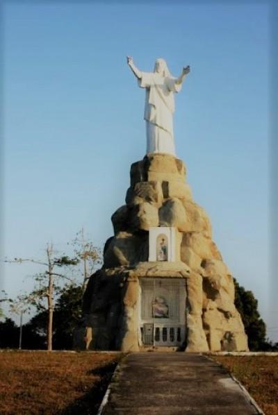 A primeira escultura do Cristo Redentor do Brasil está em São Cristóvão (Foto: Assessoria de Imprensa Unit)