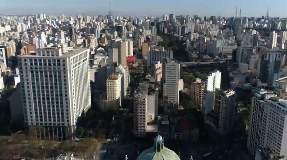 Vídeo mostra o que fazer em São Paulo em um dia  (Imagem: Reprodução de vídeo/ YouTube/ Passos Pelo Mundo)