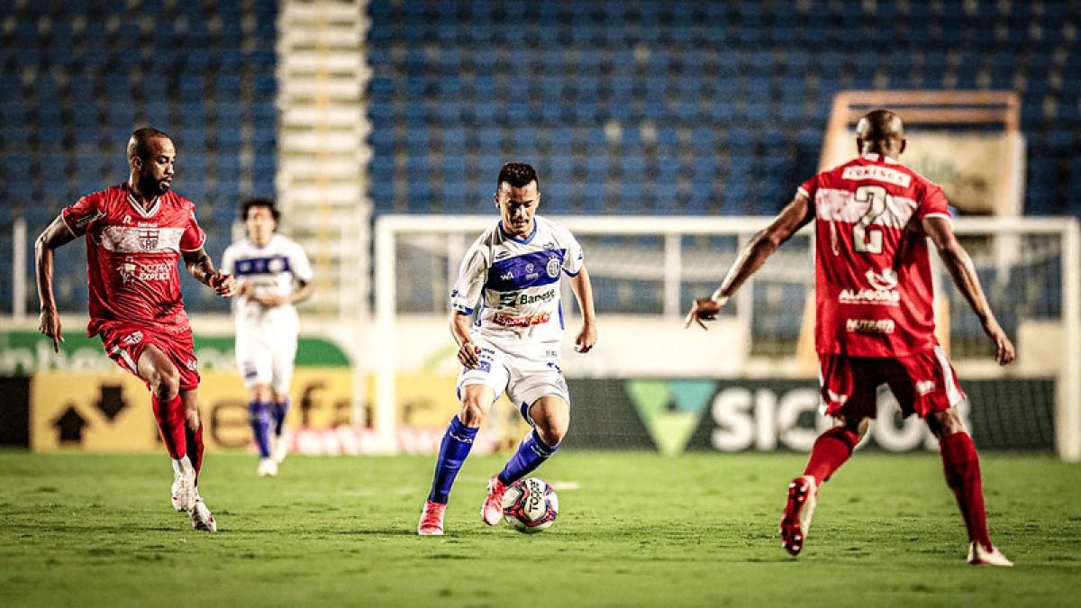 Confiança chegou a diminuir o placar aos 18´ da segunda etapa, mas não conseguiu empatar a partida (Foto: Lucas Almeida/ AD Confiança)