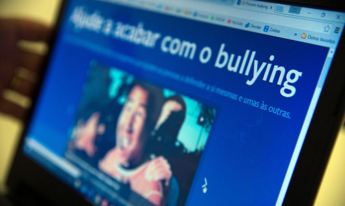 IBGE: um em cada dez estudantes já foi ofendido nas redes sociais (Foto: Marcello Casal Jr/ Agência Brasil)