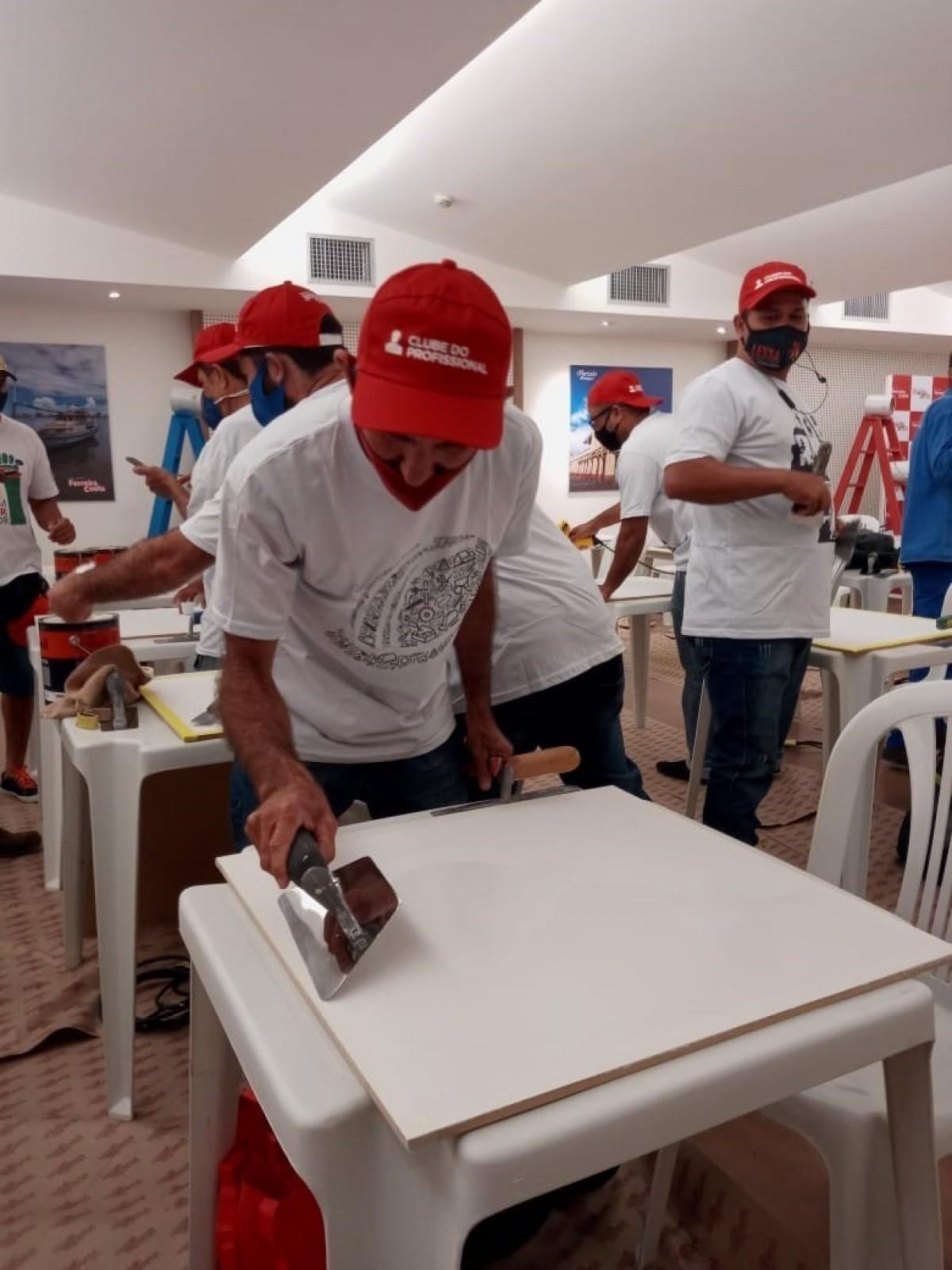 A Ferreira Costa oferece cursos gratuitos para profissionais da construção civil ou demais interessados através do Clube do Profissional (Foto: Assessoria Ferreira Costa)