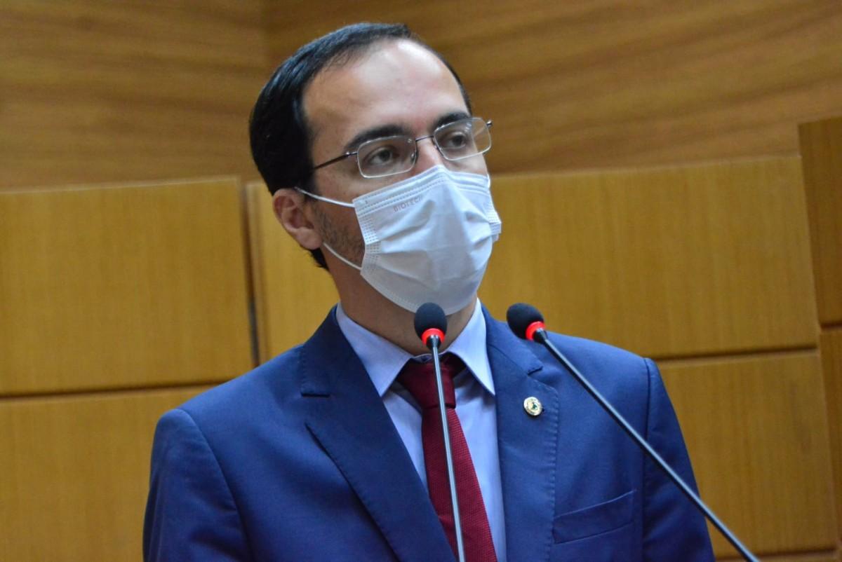 Georgeo Passos cobra solução para o atraso das cirurgias e consultas realizadas pelo Huse (Foto: Jadilson Simões)