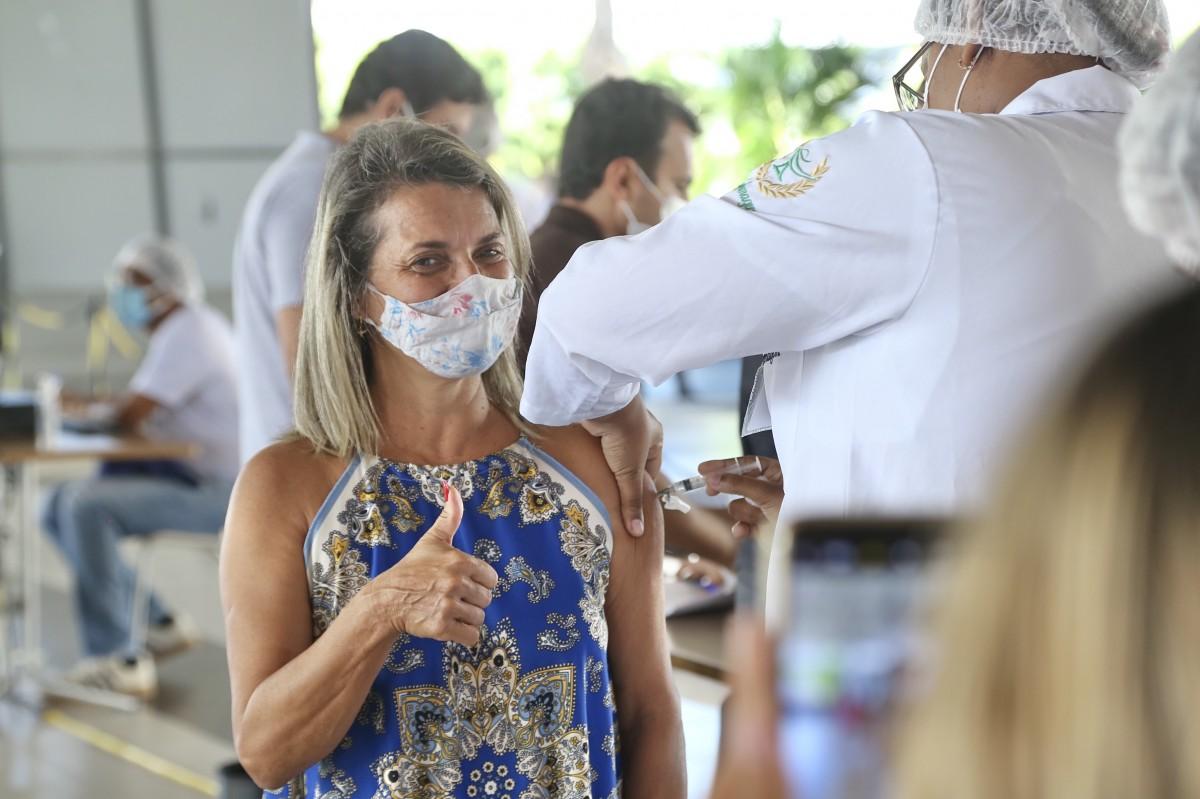 Mais de 65 mil aracajuanos foram vacinados no ponto fixo da Unit (Foto: Assessoria de Imprensa Unit)