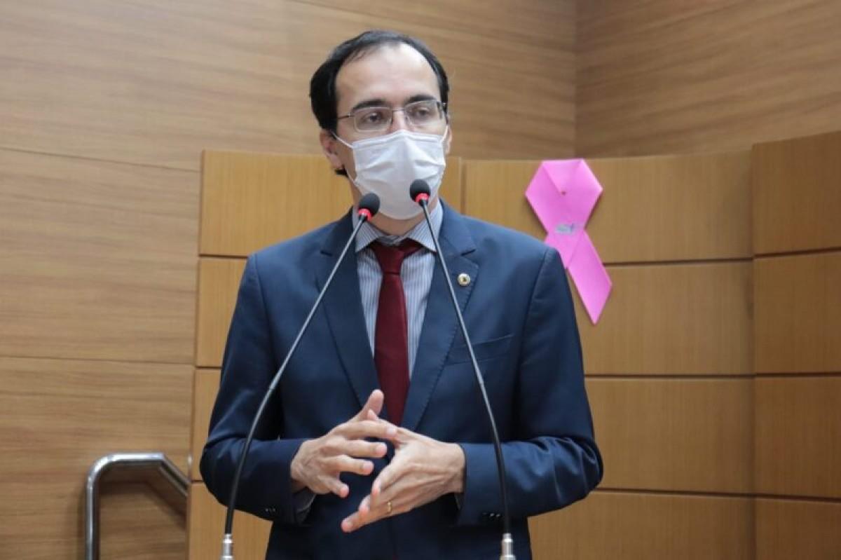 Deputado Georgeo Passos anuncia assinaturas para CPI da Covid-19 em Sergipe (Foto: Jadilson Simões/ Alese)
